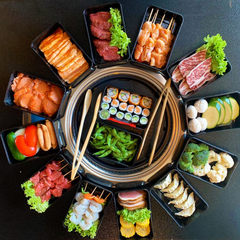 U kunt nu ook ons Koreaanse & Japanse BBQ schotel bestellen om zelf thuis op de BBQ te bereiden
